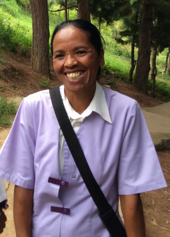 24 mai 2016 – L'adieu émouvant d'Akamasoa à Mlle Honorine