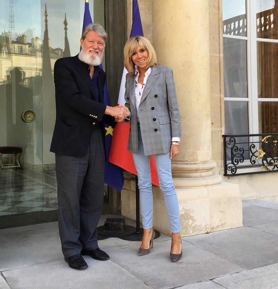 Père Pédro rencontre la première dame de France